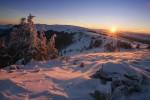 Планина Козница - изгрев от връх Чамляку.
