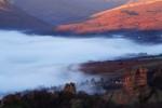 Мъглата отстъпва на слънцето.