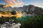 Пирин планина - Синанишкото езеро с върхове Момин двор и Синаница.