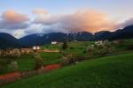 Привечер в село Горна Гела. Родопа планина.