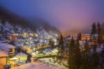 Зимна вечер в село Широка лъка. Родопа планина