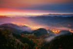 Зазоряване над град Смолян. Родопа планина